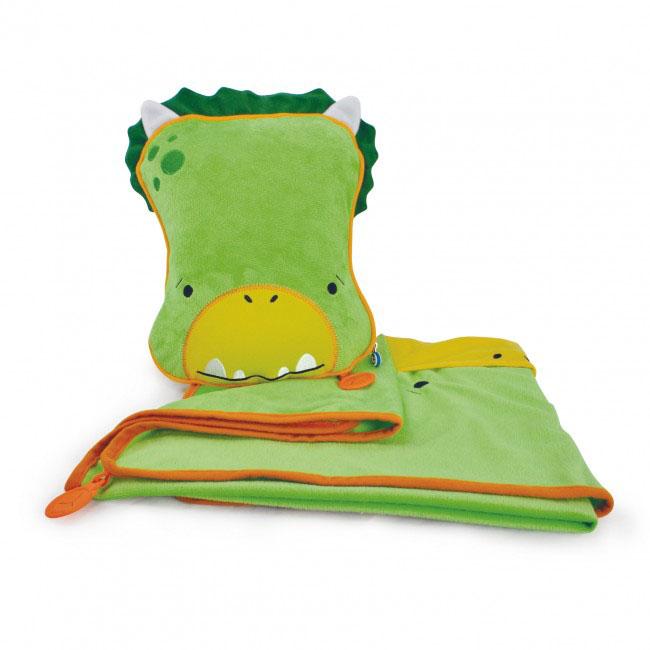 Дорожный набор Trunki Dudley, 3в1, цвет: зеленый, желтый0076-GB01Удивительно полезный дорожный набор Trunki Dudley должен быть у каждого маленького путешественника. Подушку с пледом внутри, легко и просто можно брать с собой в самолет, поезд или машину. Ваш малыш теперь будет с комфортом спать в дороге, положив головку на мягкую надувную подушку и укрывшись одеялом. Подушка выполнена в виде забавной рожицы крокодила. Набор укомплектован надувной вставкой, превращающейся в подушку. На пледе есть специальный кармашек, куда можно посадить свою любимую игрушку. Комплект имеет уникальное крепление Trunki Grip, соединяющее одеяло и подушку, чтобы вам не приходилось часто укрывать вашего малыша. Рекомендуемый возраст: от 2 лет. Размер подушки: 26 см х 21 см. Размер пледа: 70 см х 90 см.