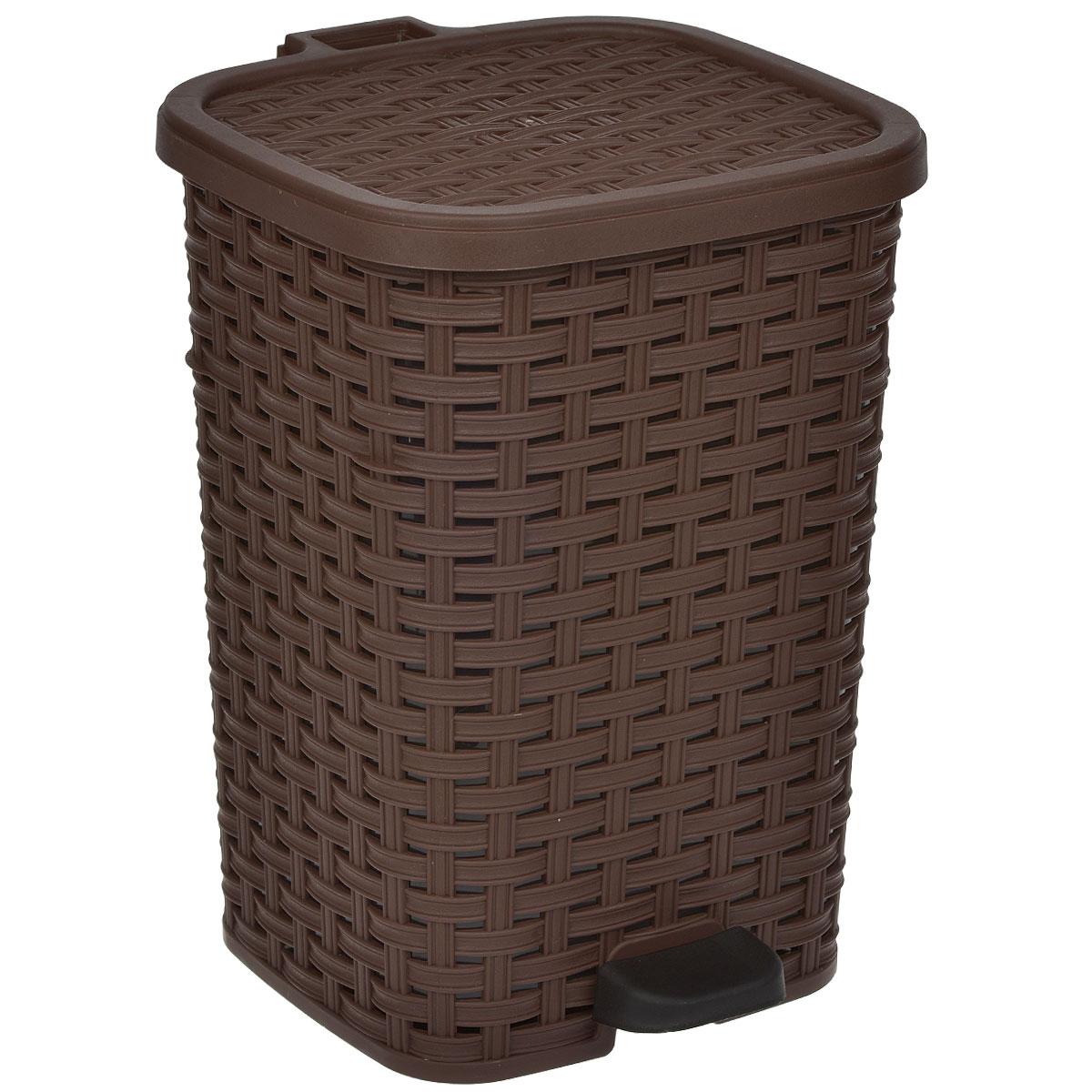 Ведро для мусора Dunya Plastik Раттан, с педалью, цвет: коричневый, черный, 12 л1053Ведро для мусора Dunya Plastik Раттан, выполненное из прочного пластика, обеспечит долгий срок службы и легкую чистку. Ведро поможет вам держать мелкий мусор в порядке и предотвратит распространение неприятного запаха. Откидная пластиковая крышка открывается и закрывается при помощи педали. Изделие выполнено в виде плетеной корзины с пластиковой вынимающейся емкостью для мусора внутри. Размер ведра (по верхнему краю): 24 см х 22 см. Высота (без учета крышки): 33 см. Высота (с учетом крышки): 34,5 см.