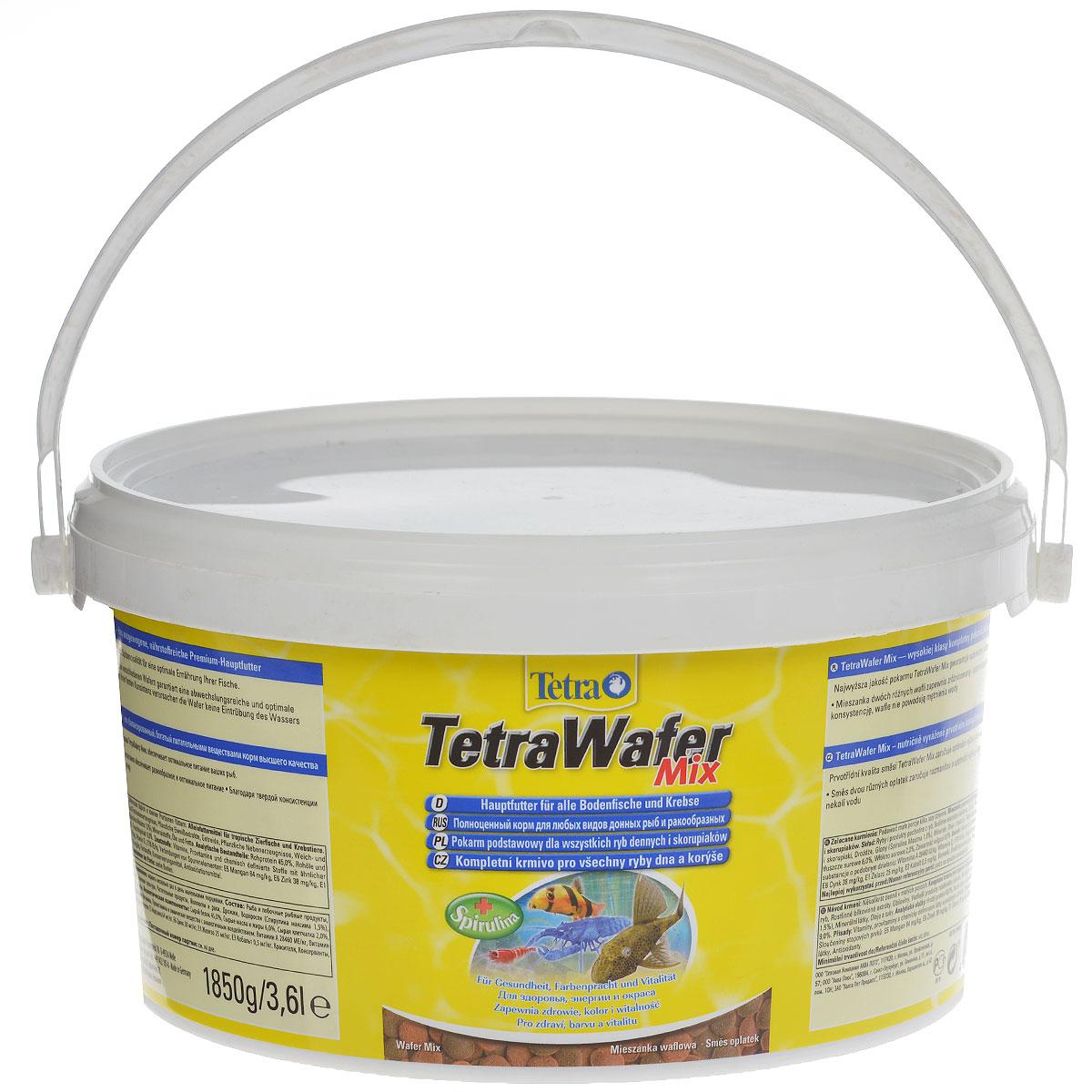 Корм сухой TetraWafer Mix для всех донных рыб и ракообразных, в виде пластинок, 3,6 л193826Корм TetraWafer Mix - это сбалансированный, богатый питательными веществами корм высшего качества. Превосходное качество корма обеспечивает оптимальное питание ваших рыб. Сочетание двух разных пластинок обеспечивает разнообразие и оптимальное питание. Благодаря твердой консистенции пластинки не загрязняют воду. Рекомендации по кормлению: кормить несколько раз в день маленькими порциями. Характеристики: Состав: рыба и побочные рыбные продукты, зерновые культуры, экстракты растительного белка, растительные продукты, дрожжи, моллюски и раки, масла и жиры, водоросли (спирулина максима 1,5%), минеральные вещества. Пищевая ценность: сырой белок - 45%, сырые масла и жиры - 6%, сырая клетчатка - 2%, влага - 9%. Добавки: витамины, провитамины и химические вещества с аналогичным воздействием, витамин А 28460 МЕ/кг, витамин Д3 1770 МЕ/кг. Комбинации элементов: Е5 Марганец 64 мг/кг, Е6 Цинк 38 мг/кг, Е1 Железо 25 мг/кг, Е3 Кобальт...