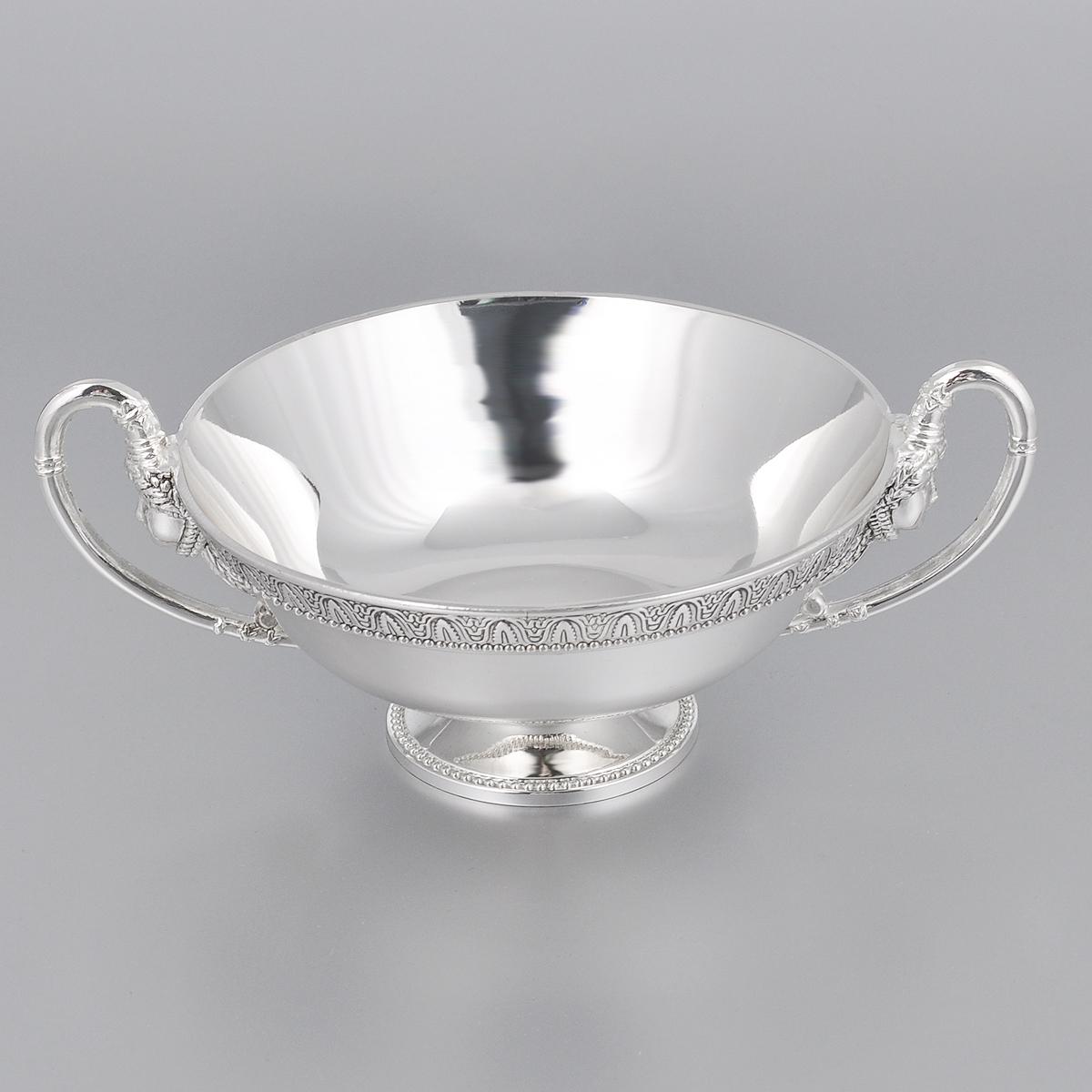 Ваза универсальная Marquis, диаметр 13 см3072-MRУниверсальная ваза Marquis круглой формы выполнена из стали с никель-серебряным покрытием и оформлена каймой с изящным рельефом. Ваза прекрасно подойдет для красивой сервировки конфет, фруктов, пирожных и много другого. Такая ваза придется по вкусу и ценителям классики, и тем, кто предпочитает утонченность и изысканность. Она украсит сервировку вашего стола и подчеркнет прекрасный вкус хозяина, а также станет отличным подарком. Диаметр (по верхнему краю): 13 см. Диаметр основания: 5,5 см. Высота вазы: 5 см.