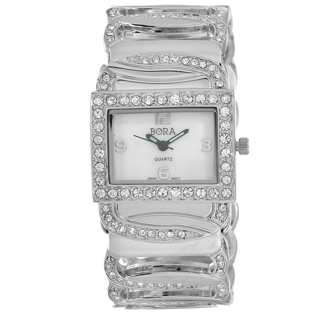 Часы наручные женские Bora, цвет: серебряный, белый. FWBG065 / T-B-3243-WATCH-SILVERFWBG065 / T-B-3243-WATCH-SILVERЧасы торговой марки Bora отличает изысканный стиль и превосходное качество изготовления. Японский механизм Seiko отличает невероятная точность. С ними вы точно не пропустите ничего интересного. Корпус часов выполнен из легированного металлического сплава и украшен стразами. Браслет в форме звеньев цепи, украшенный стразами, изготовлен из двух цельных металлических частей, крепящихся на руке при помощи пружин. Практичная и незаменимая вещь в сумасшедшем ритме современной жизни. Стильный и элегантный аксессуар идеально дополнит ваш повседневный образ. Характеристики: Размеры корпуса: 3 х 2,5 х 0,6 см. Не водостойкие. Диаметр браслета: 6,5 см.
