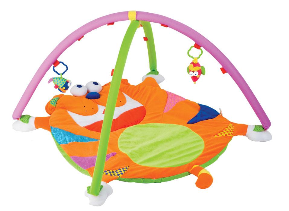 Мир детства Развивающий коврик Волшебный кот, 80 см х 65 см27139Красочный развивающий коврик Волшебный кот с двумя съемными дугами станет первой площадкой для игры вашего малыша. Обилие ярких цветов, различных форм, использование материалов разной фактуры, 3 симпатичные погремушки, безопасное зеркальце на поверхности коврика, а также большие возможности для игры (звук погремушки, звук шуршащей бумаги) будут помогать ребенку развиваться, проводя часы в веселых и забавных играх. Съемные игрушки-погремушки крепятся к дуге при помощи липучек. Малыш может играть с этими игрушками в кроватке, в детском манеже или в автомобильном кресле. Коврик выполнен из современных легких материалов, абсолютно безопасных для ребенка и упакован в сумку из прозрачного мягкого пластика. Игрушка обладает комплексом развивающих эффектов и одновременно служит подушкой. Коврик развивает воображение, координацию движений, цветовое и текстильное восприятие.