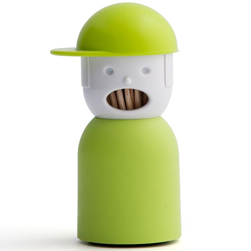 Держатель для зубочисток Qualy Picky Boy, цвет: зеленыйQL10055-GNОригинальный держатель для зубочисток Qualy Picky Boy, изготовленный из высококачественного пластика в виде мальчика в кепке, это невероятно нужный на кухне предмет. Корпус изделия приятен на ощупь, благодаря покрытию Soft touch. Основание держателя оснащено силиконовой накладкой для предотвращения скольжения по поверхности стола. Он справляется со своей работой просто отлично! Зубочистки всегда рассыпаются, их трудно вставить обратно, не уколоться и не сломать. С таким держателем все просто! Поднимите шапочку и зубочистки готовы к использованию, нажмите на шапочку и они аккуратно опустятся на место.