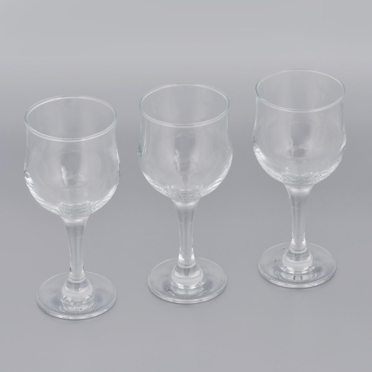 Набор бокалов для красного вина Pasabahce Tulipe, 240 мл, 3 шт44163BНабор Pasabahce Tulipe состоит из трех бокалов, выполненных из прочного натрий-кальций-силикатного стекла. Изделия оснащены высокими ножками. Бокалы предназначены для подачи красного вина. Они сочетают в себе элегантный дизайн и функциональность. Благодаря такому набору пить напитки будет еще вкуснее. Набор бокалов Pasabahce Tulipe прекрасно оформит праздничный стол и создаст приятную атмосферу за романтическим ужином. Такой набор также станет хорошим подарком к любому случаю. Можно мыть в посудомоечной машине и использовать в микроволновой печи. Диаметр бокала (по верхнему краю): 6 см. Высота бокала: 16,5 см.