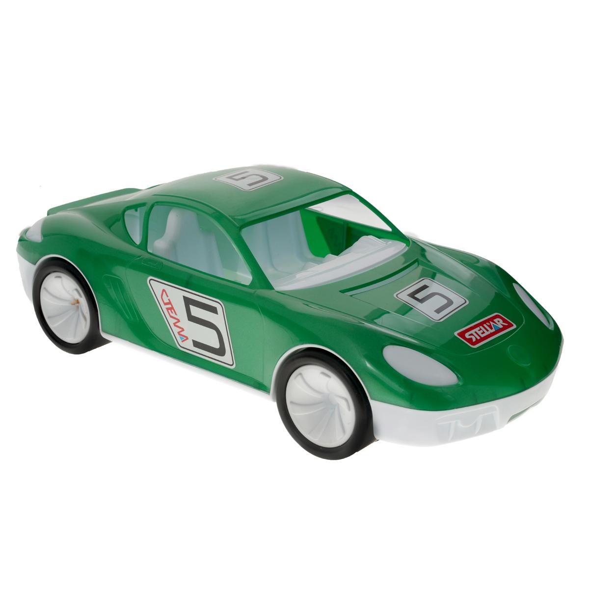 Stellar Машинка Стелла цвет зеленый1451_зеленыйМашинка Stellar Стелла обязательно понравится вашему малышу. Она привлечет внимание вашего ребенка и надолго останется его любимой игрушкой. Игрушка выполнена из яркого безопасного полипропилена в виде машинки, оформленной наклейками. В салон можно посадить несколько небольших игрушек. Колеса машинки крутятся. Можно привязать веревочку, и малыш с радостью будет возить машинку за собой. Игрушка развивает концентрацию внимания, координацию движений, мелкую моторику рук, цветовое восприятие и воображение. Малыш будет в восторге от такого подарка!