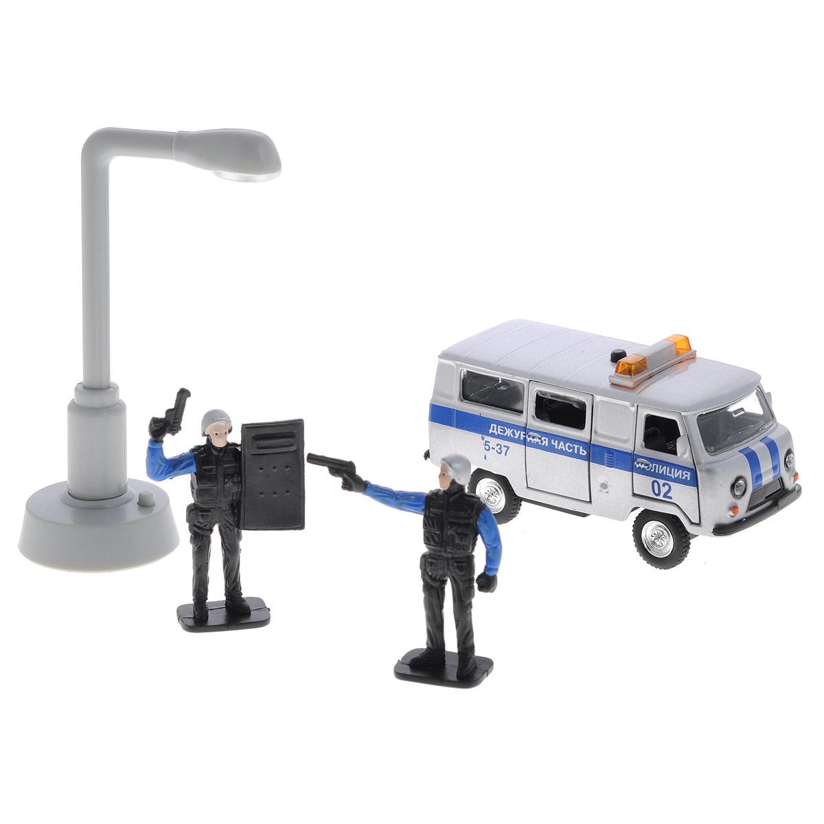 Игровой набор ТехноПарк Полиция: Дежурная частьCT-1232-TL(WB)Игровой набор ТехноПарк Полиция: Дежурная часть непременно станет любимой игрушкой вашего малыша. В набор входит полицейский автомобиль марки UAZ 39625, две фигурки полицейских, два дорожных знака, две башенки дорожного ограждения и фонарь уличного освещения. Игрушки изготовлены из металла и высококачественного пластика. Дверцы кабины и багажного отделения машинки открываются. При нажатии кнопки на крыше замигают проблесковые маячки, прозвучат звуки сирены и команды полицейского. При нажатии кнопки у основания фонаря в нем на непродолжительное время загорается лампочка. Машинка оснащена инерционным ходом. Ее необходимо отвести назад, затем отпустить - и она быстро поедет вперед. Прорезиненные колеса обеспечивают надежное сцепление с любой гладкой поверхностью. Ваш ребенок будет часами играть с этим набором, придумывая различные истории. Порадуйте его таким замечательным подарком! Машинка работает от батареек (товар комплектуется демонстрационными).