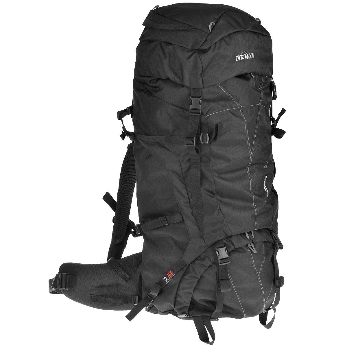 Рюкзак туристический Tatonka Tamas 70, цвет: черный, 70 л6017.040Вместительный рюкзак Tatonka Tamas 70 среднего объема. Отличный выбор для походов на байдарках - алюминиевые шины легко вытаскиваются из спины рюкзака и его можно компактно сложить и убрать в лодку. Преимущества и особенности: Система переноски: Y1 Широкий поясной ремень Лямки регулируются по высоте, длине и плотности прилегания к рюкзаку Крышка рюкзака регулируется по высоте Доступ в основное отделение сверху и в центральной части Съемное отделение между отделениями Шины жесткости легко снимаются Крепление для ледорубов и трекинговых палок Карман в крышке рюкзака Нагрудный ремень Утягивающие ремни по бокам.