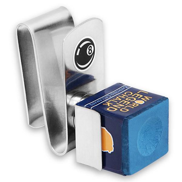Держатель для бильярдного мела Fortuna Standard Chalker, магнитный05011Удобный аксессуар Fortuna Standard Chalker, состоящий из прищепки, которую можно закрепить на поясе, и компактного пенальчика для мела, удерживающегося на прищепке посредством магнита. Мел всегда под рукой и не мешает на игровой поверхности.