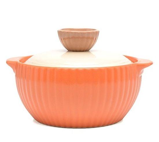 Кастрюля керамическая Frybest Mystic valley с крышкой, цвет: оранжевый, 1 лNM-C16Кастрюля Frybest Mystic valley изготовлена из экологически чистой жаропрочной керамики. Идеальна для приготовления блюд, требующих длительного томления. Благодаря инновационному покрытию Ecolon пища не пригорает и не прилипает. Дизайн кастрюли разработан так, чтобы теплообмен внутри нее был максимально эффективным. Устойчивое к царапинам жаропрочное керамическое покрытие дополняет антибактериальный слой. Керамическая крышка кастрюли оснащена отверстием для выпуска пара. Кастрюля оснащена двумя небольшими ручками для удобного хвата. Кастрюля Frybest Mystic valley прекрасно подойдет для запекания и тушения овощей, мяса и других блюд, а оригинальный дизайн и яркое оформление украсят ваш стол. Можно мыть в посудомоечной машине. Кастрюля предназначена для использования на газовой и электрической плитах, в духовке и микроволновой печи. Не подходит для индукционных плит. Высота стенки: 8 см. Ширина кастрюли (с учетом ручек): 20...