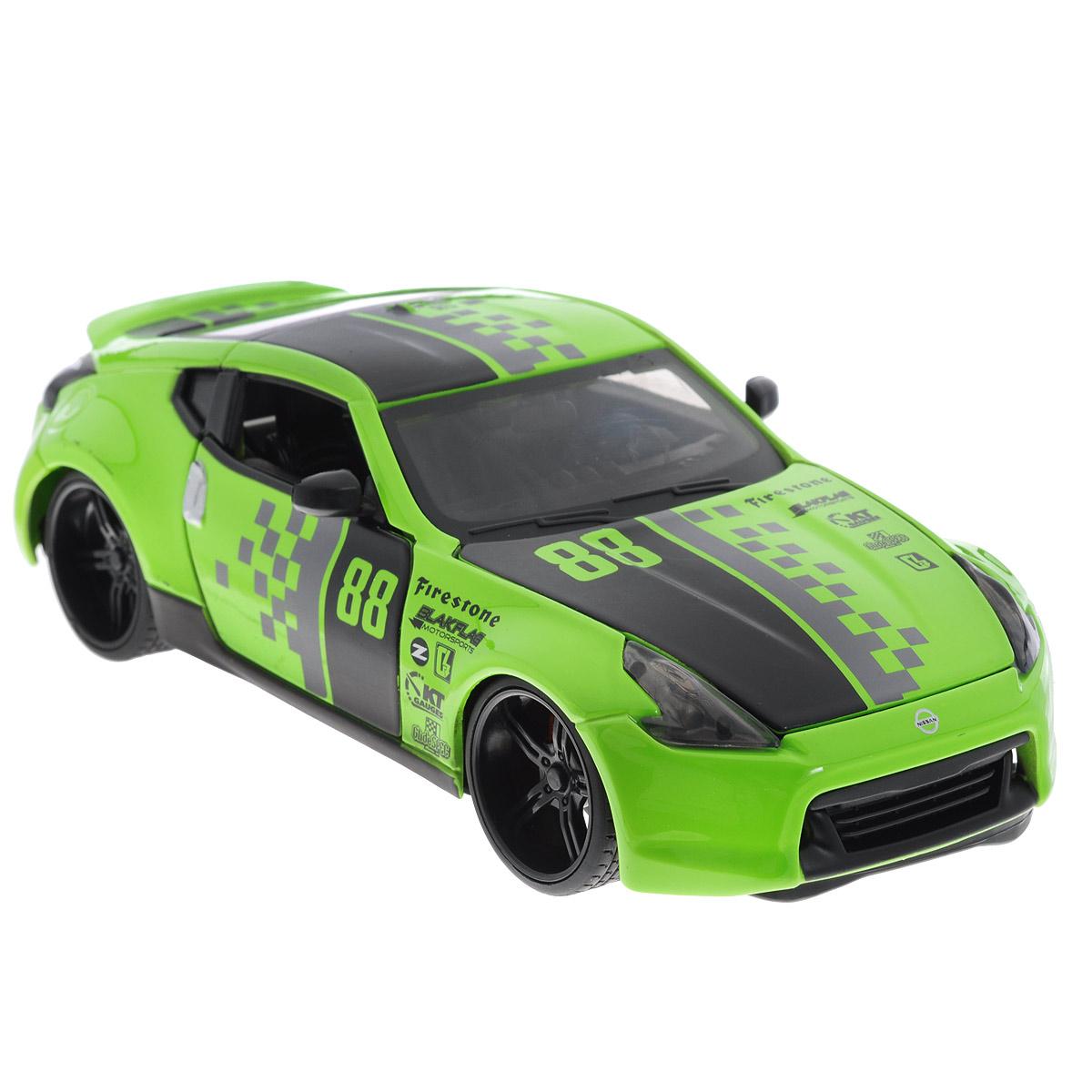 Maisto Модель автомобиля Nissan 370Z 2009 цвет зеленый31353_зеленыйКоллекционная модель Maisto 2009 Nissan 370Z - миниатюрная копия настоящего автомобиля. Стильная модель автомобиля привлечет к себе внимание не только детей, но и взрослых. Модель имеет литой металлический корпус с высокой детализацией двигателя, интерьера салона, дисков, протекторов, выхлопной системы, оснащена колесами из мягкой резины. У машинки открываются дверцы кабины и капот. Игрушка в точности повторяет модель оригинальной техники, подробная детализация в полной мере позволит вам оценить высокую точность копии этой машины! Такая модель станет отличным подарком не только любителю автомобилей, но и человеку, ценящему оригинальность и изысканность, а качество исполнения представит такой подарок в самом лучшем свете.
