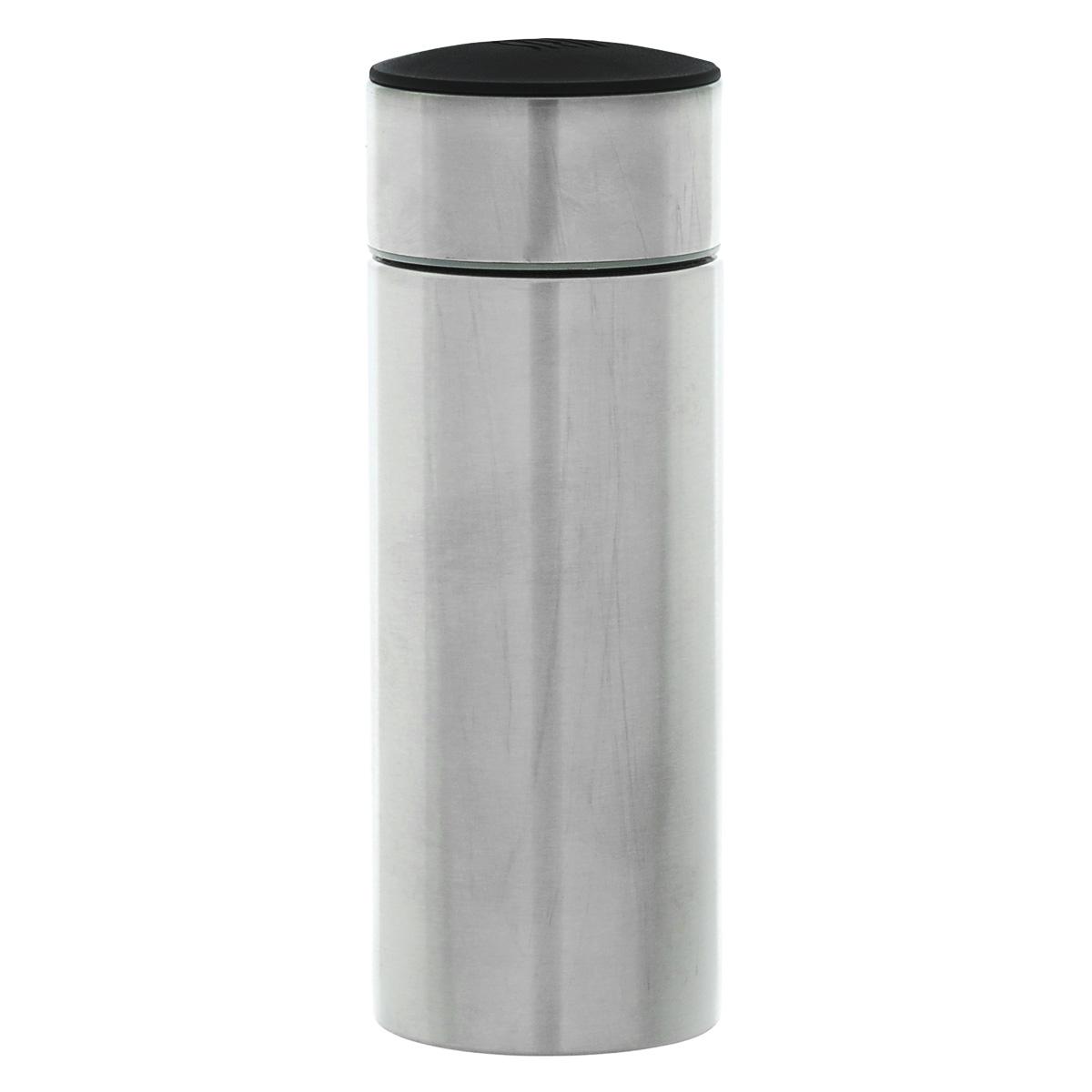Термос-мини Iris Barcelona, 200 мл8321-IТермос-мини Iris Barcelona - очень удобный и практичный предмет, который поможет вам насладиться любимым напитком где угодно. Термос выполнен из высококачественной нержавеющей стали. Оснащен широким горлом и плотно закрывающейся крышкой с резьбой. Благодаря двойным стенкам, термос сохраняет температуру напитка до 5,5 часов. Подходит как для холодных, так и для горячих напитков. Основание прорезиненное. Компактные размеры позволят уместить его даже в самой маленькой сумке. Его можно взять с собой на отдых, на работу или учебу, на прогулку, в путешествие. Диаметр: 5,5 см. Высота (с крышкой): 15 см.