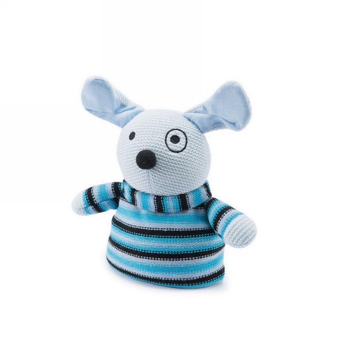 Вязаная игрушка-грелка Warmies Щенок, цвет: голубойKNI-PUP-1Вязанная игрушка-грелка Warmies Щенок, предназначенная для тепловых процедур, обязательно поднимет настроение своему обладателю. Грелка, выполненная из вязаного текстиля в виде забавного полосатого щенка, привлечет внимание не только ребенка, но и взрослого, и сделает процесс использования грелки приятным и комфортным. Игрушка полностью безопасна - состоит из натурального наполнителя: зерен проса и сушеной лаванды. Просо удерживает тепло долгое время, а лаванда обладает успокаивающим, расслабляющим эффектом, помогает заснуть. Лечебные свойства лаванды помогают при простудных заболеваниях. Положите игрушку на 1-2 минуты в микроволновую печь, и она будет греть вас на протяжении 3-4 часов. Оригинальный стиль и великолепное качество исполнения делают эту игрушку-грелку чудесным подарком к любому празднику. Не стирать, протирать влажной тряпкой. Наполнитель: обработанные зерна проса, высушенная лаванда. Для детей от 3-х лет.