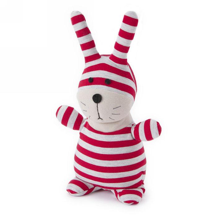 Мягкая игрушка-грелка Warmies Кролик Банти, цвет: красный, белыйSOC-BUN-1Мягкая игрушка-грелка Warmies Кролик Банти, предназначенная для тепловых процедур, обязательно поднимет настроение своему обладателю. Грелка, выполненная из текстиля в виде забавного полосатого кролика, привлечет внимание не только ребенка, но и взрослого, и сделает процесс использования грелки приятным и комфортным. Игрушка полностью безопасна - состоит из натурального наполнителя: зерен проса и сушеной лаванды. Просо удерживает тепло долгое время, а лаванда обладает успокаивающим, расслабляющим эффектом, помогает заснуть. Лечебные свойства лаванды помогают при простудных заболеваниях. Положите игрушку на 1-2 минуты в микроволновую печь, и она будет греть вас на протяжении 3-4 часов. Оригинальный стиль и великолепное качество исполнения делают эту игрушку-грелку чудесным подарком к любому празднику. Не стирать, протирать влажной тряпкой. Наполнитель: обработанные зерна проса, высушенная лаванда. Для детей от 3-х лет.