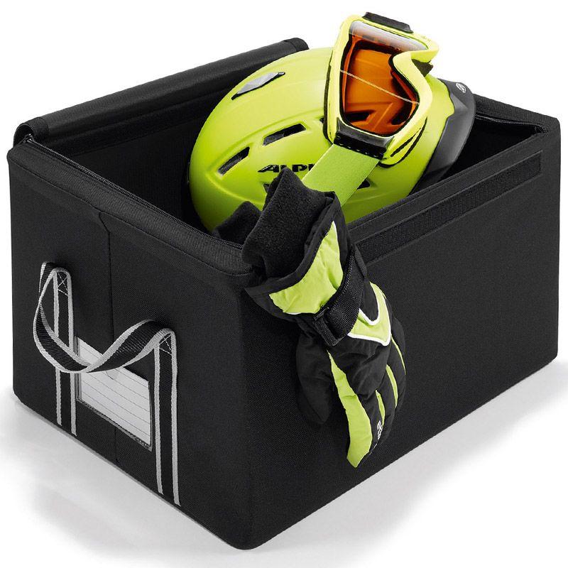 Коробка для хранения Reisenthel Storagebox, малая, цвет: черныйFR7003Универсальная коробка из полиэстера, пригодится для хранения сезонной одежды и обуви, аксессуаров, старых дневников и открыток, канцелярских и других мелочи. Телескопический проволочный каркас и жесткое днище обеспечивают стабильность и устойчивость коробки. По бокам коробки две ручки для удобства переноски. Также можно подписать лейбл, с указанием содержимого коробки. Объем коробки: 18 л. Максимальная нагрузка: 20 кг. Размер коробки: 36 см х 20 см х 26 см.