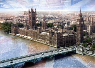 Фотообои Твоя Планета Премиум Лондон 272 х 194 см, 8 листов4607161056080Основа фотообоев Твоя Планета Премиум - импортная бумага высокого качества и повышенной плотности с нанесенным на неё цветным фотоизображением. Технология сборки фрагментов в единую картину довольно проста. Это наиболее распространенный вид обоев, позволяющих создать в квартире (комнате) определенное настроение и даже несколько расширить оптический объем. Фотообои пользуются популярностью потому, что они недорогие и при этом позволяют получить массу удовольствий при созерцании изображения.