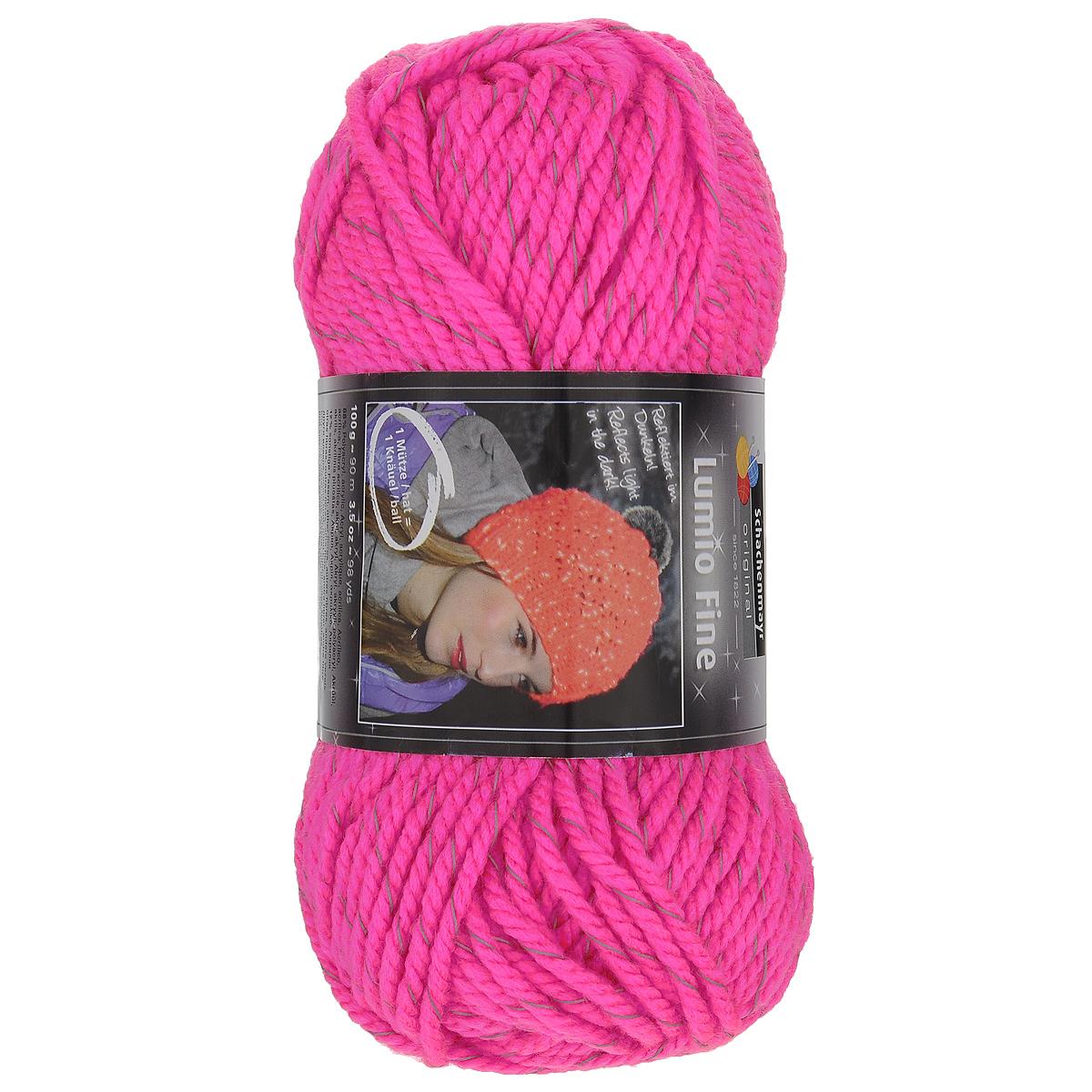 Пряжа для вязания Schachenmayr Original Lumio Fine, цвет: неоновый розовый (00135), 90 м, 100 г. 9807557-001359807557-00135Пряжа для вязания Schachenmayr Original Lumio Fine - это более тонкая и легкая версия пряжи Lumio, изготовленная из 88% полиакрила и 12% других волокон. Пряжа содержит светоотражающие нити, созданные из тонкого материала, покрытого стеклянными шариками нано размера с помощью полиуретанового клея. Благодаря этим нитям готовые изделия отражают любой свет и сияют в темноте. Этот эффект сохраняется даже после стирки. Данная особенность пряжи очень актуальна для детской одежды. С такой пряжей для ручного вязания вы сможете связать своими руками необычные и красивые вещи. Рекомендованы спицы и крючок №7-8. Комплектация: 1 моток. Толщина нити: 3 мм. Состав: 88% полиакрил, 12% другие волокна. Вес мотка: 100 г. Длина нити: 90 м.