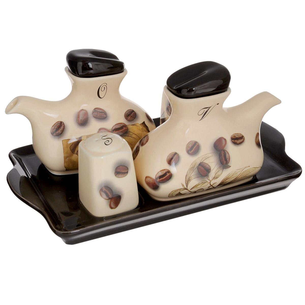 Набор для специй Sestesi Moka, 5 предметовMOK876Набор для специй Sestesi Moka, изготовленный из высококачественной керамики, состоит из солонки, перечницы, емкостей для масла и уксуса с крышками и носиками. Изделия оформлены изображением кофейных зерен. Все предметы набора компактно располагаются на удобном подносе с ручками. Оригинальный дизайн, эстетичность и функциональность набора позволят ему стать достойным дополнением к кухонному инвентарю. Не рекомендуется мыть в посудомоечной машине. Размер солонки/перечницы: 4,5 см х 4,5 см х 6,5 см. Размер емкостей для масла и уксуса: 14 см х 7 см х 11 см. Размер подноса: 28 см х 17 см х 3 см.