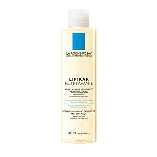 La Roche-Posay Липидовосполняющее смягчающее масло для ванной и душа Lipikar 200 млM0137801Оптимальная переносимость за счет тщательно отобранных очищающих компонентов. Нейтральное значение рН.При взаимодействии с водой МАСЛО ЛИПИКАР преобразуется в легкую эмульсию, которая восстанавливает гидролипидную пленку очень сухой кожи, защищает ее от обезвоживания и раздражающего действия жесткой воды. Новшество: формула, обогащенная маслом Каритэ, активным липидовосполняющим компонентом, который заметно улучшает состояние сухой кожи.