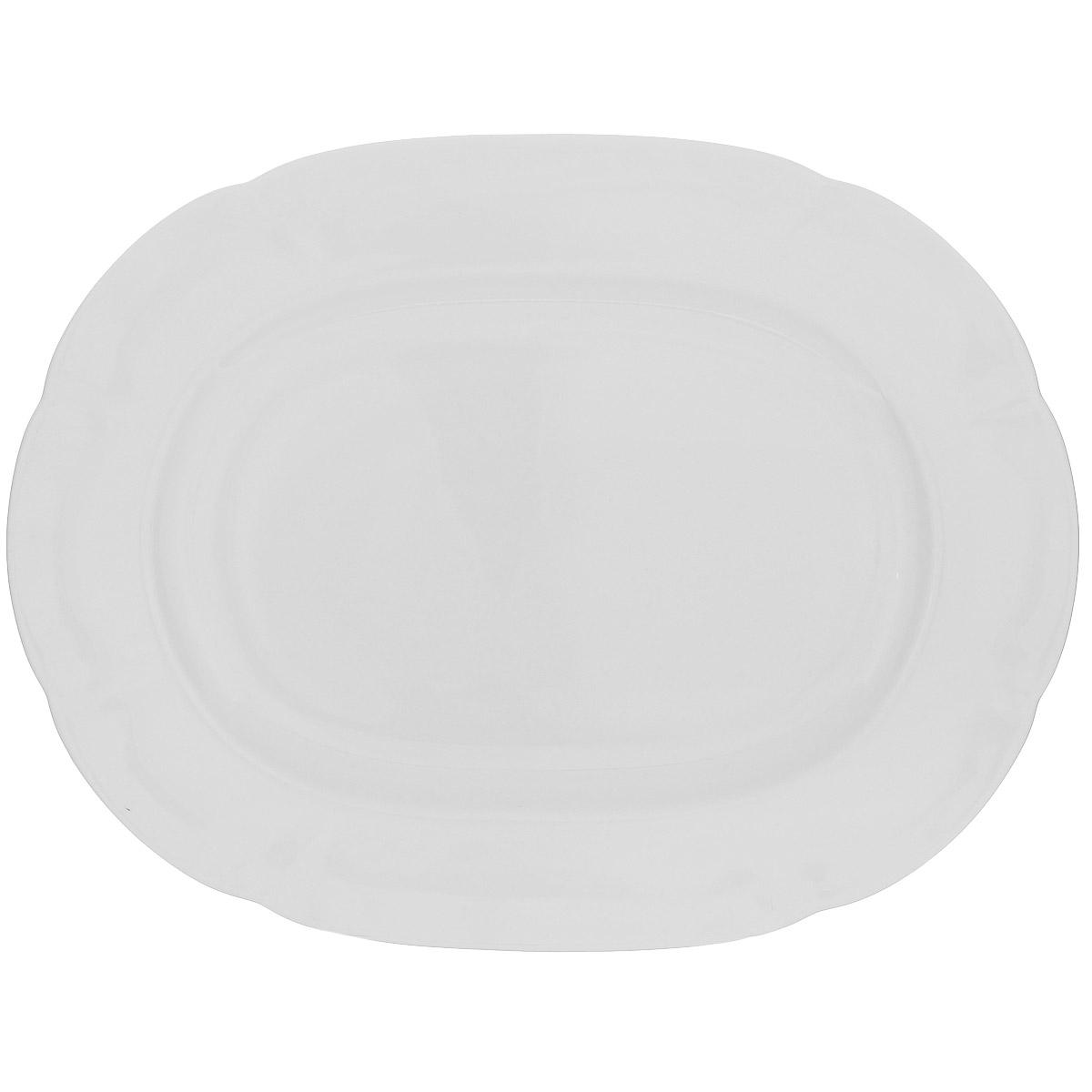 Блюдо Royal Bone China White, 32 х 25 см89ww/0310Овальное блюдо Royal Bone China White прекрасно подойдет для подачи различных блюд и закусок. Изделие выполнено из особого фарфора с 45% содержанием костяной муки. Основным достоинством изделий из костяного фарфора является прозрачность и абсолютно гладкая глазуровка. В итоге получаются изделия, сочетающие изысканный вид с прочностью и долговечностью. Изделия Royal Bone China по праву считаются элитными. Данная торговая марка хорошо известна в Европе и Азии, а теперь и жители нашей страны смогут приобрести потрясающие сервизы. Royal Porcelain Public Company Ltd (Таиланд) - ультрасовременное предприятие, оснащенное немецким оборудованием, ежегодно выпускает более 33 миллионов изделий, которые поставляются более чем в 50 стран. Среди клиентов компании - сети отелей Marriott, Hyatt, Sheraton, Hilton. Компания предлагает разнообразный ассортимент с постоянным обновлением коллекций.