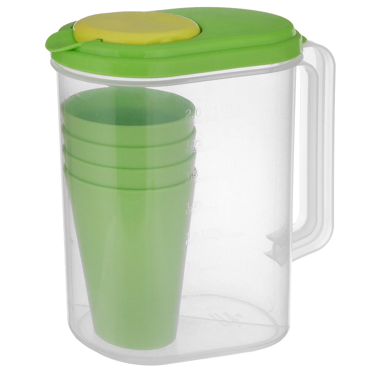 Набор Ucsan: мерный графин, 4 стакана, цвет: прозрачный, зеленыйM-600Набор Ucsan состоит из графина и 4 стаканов. Предметы набора выполнены из пищевого полипропилена. Прозрачный графин имеет удобную ручку и плотно закрывающуюся крышку, с помощью которой удобно наливать напитки. Графин можно использовать в качестве шейкера, смешать соки и напитки. На внешней стенке есть мерная шкала. Можно мыть в посудомоечной машине. Объем графина: 2 л. Размер графина (с учетом крышки, ручки и носика): 22 х 11 х 21 см. Объем стаканов: 400 мл. Диаметр стакана (по верхнему краю): 8,5 см. Диаметр основания стакана: 5,5 см. Высота: 11,5 см.