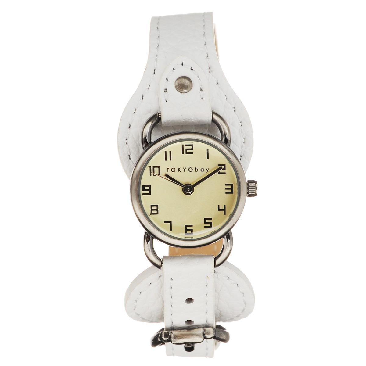 Часы женские наручные Tokyobay West, цвет: белый. T026-WHT026-WHНаручные часы Tokyobay - это стильное дополнение к вашему неповторимому образу. Эти часы созданы для современных женщин, ценящих стиль, качество и практичность. Часы оснащены японским кварцевым механизмом Miyota. Задняя крышка изготовлена из нержавеющей стали. Корпус изготовлен из металла. Циферблат оформлен арабскими цифрами, имеются часовая, минутная и секундная стрелки. Ремешок выполнен из кожи, имеет расширение у корпуса часов и застегивается на классическую застежку-пряжку, которая также расположена у корпуса. Часы Tokyobay - это практичный и модный аксессуар, который подчеркнет ваш безупречный вкус. Характеристики: Корпус: 2,2 х 2,2 х 0,7 см. Размер ремешка: 19 х 1,2 см. Не содержит никель. Не водостойкие.