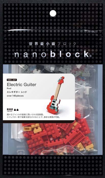 NanoBlock Мини-конструктор Красная электрогитараNBC_037Мини-конструктор Красная электрогитара - увлекательнейший способ времяпрепровождения и уникальная возможность собрать целую коллекцию музыкальных нано-инструментов. Набор включает более 130 пластиковых элементов (в том числе запасные) и цветную графическую инструкцию-схему сборки. Из деталей конструктора собирается очень реалистичная мини-модель электрогитары. Конструктор nanoBlock - самый маленький в мире конструктор, крайне необычный, как все японское. Высокоточные трехмерные модели из деталей подобных Лего, но предельно уменьшенных в размерах, стали хитом в Японии и буквально произвели фурор в Америке, Европе, Азии и Австралии. Самая маленькая деталь конструктора - 4 мм х 4 мм, а классический прямоугольный элемент 2-на-4 точки имеет размер 8 мм х 16 мм и 5 мм высотой. Запатентованный дизайн деталей и высочайшее качество пластика обеспечивают надежное соединение даже при таких небольших размерах. Нано-размер деталей позволяет добиться невероятной...
