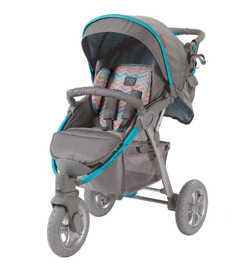 Коляска прогулочная Happy Baby Neon Sport, цвет: серый, голубой4690624014994Прогулочная коляска Happy Baby Neon Sport с 5-точечными ремнями безопасности - это практичная и удобная коляска, отличающаяся устойчивостью и маневренностью. Регулируемая в трех положениях спинка и вкладка из мягкого приятного на ощупь материала обеспечивает максимальный комфорт для малыша. Объемный капюшон со смотровым окошком опускается до бампера, благодаря чему малыш будет защищен от солнечных лучей или дождя. Подставка для бутылочек на уровне рук взрослого облегчит процесс кормления. Ручки коляски регулируются в зависимости от роста взрослого. Коляска снабжена тремя надувными колесами, переднее поворотное колесо оснащено фиксатором. Коляска складывается одной рукой, а благодаря легкой алюминиевой раме процесс переноски не кажется бесконечным. Большая практичная корзина для покупок позволит перевозить с собой необходимые вещи. В комплект также входят москитная сетка, дождевик, чехол на ножки и сумка для мамы.