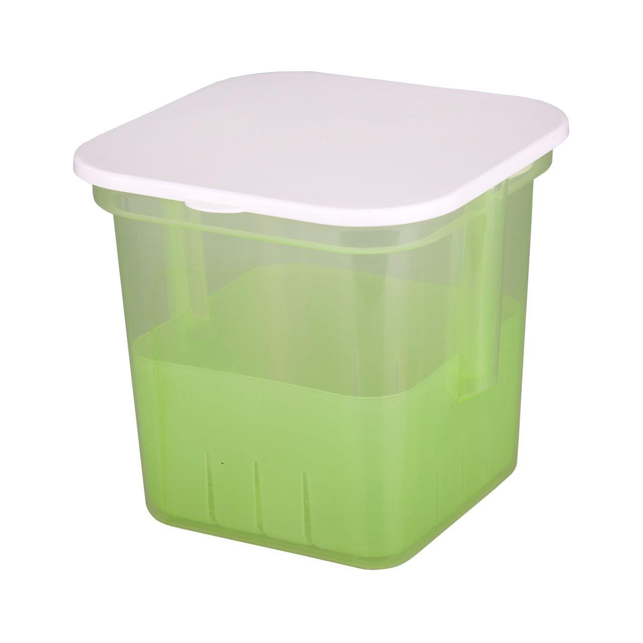 Банка для солений Альтернатива, с крышкой и вставкой, цвет: зеленый, 3 лМ1149Банка Альтернатива предназначена для размещения в ней солений. Выполнена из высокопрочного пластика. В комплекте съемный контейнер с ручкой, на дне которого имеются отверстия. Это позволяет легко вынимать соленья, при этом рассол быстро стечет вниз. С такой банкой удобно и хранить, и перевозить соленья в рассоле. Банка закрывается крышкой белого цвета. Объем: 3 л.