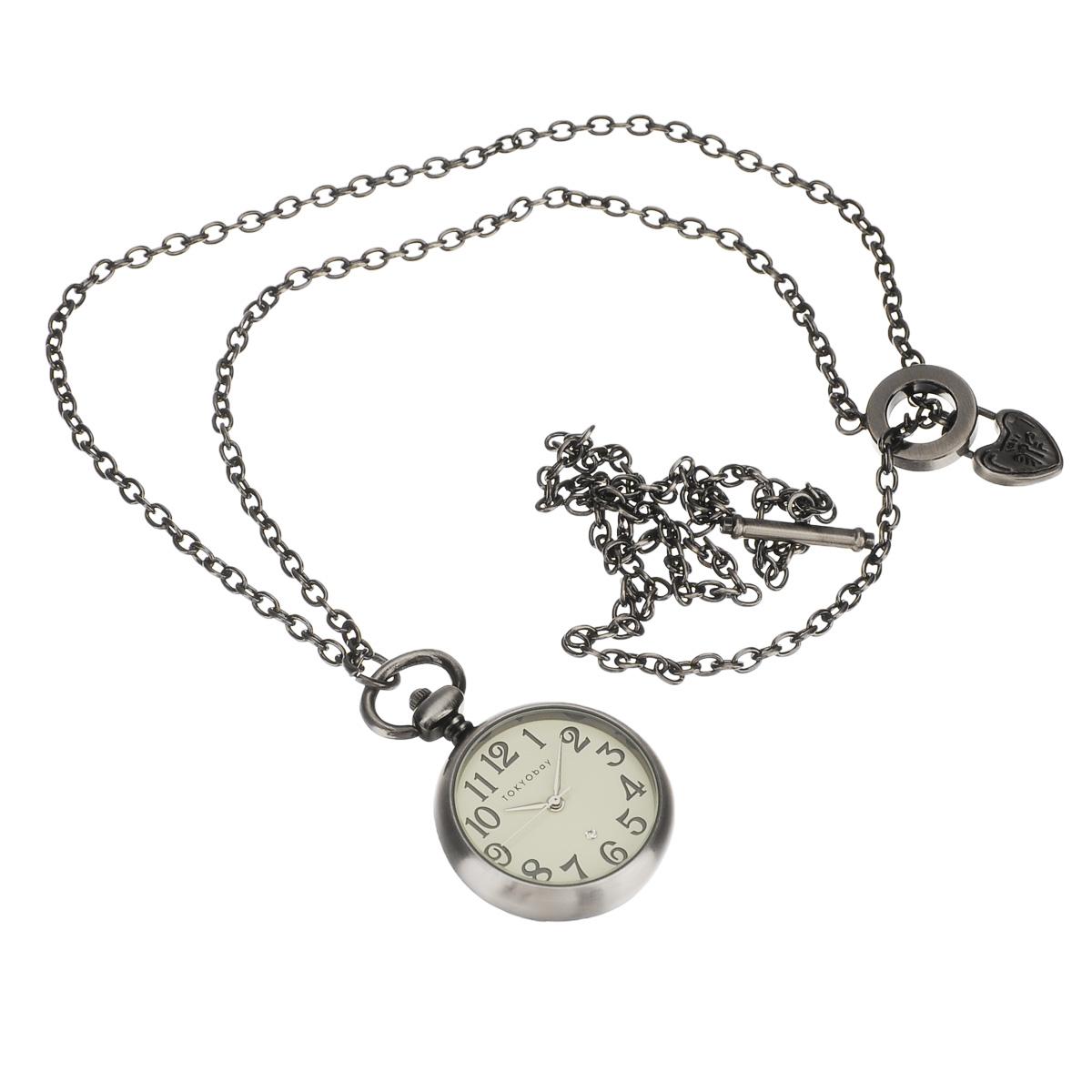 Часы женские наручные Tokyobay Classic Claire White Pendant. T110-WHT110-WHНаручные часы Tokyobay - это стильное дополнение к вашему неповторимому образу. Эти часы созданы для современных девушек, ценящих стиль, качество и практичность. Часы оснащены японским кварцевым механизмом Miyota. Корпус выполнен из металла, не содержащего никель. Задняя крышка изготовлена из нержавеющей стали. Циферблат декорирован арабскими цифрами и маленьким сверкающим стразом. Циферблат без отметок, имеет три стрелки - часовую, минутную и секундную, защищен ударопрочным оптическим. Браслет выполнен из металлического сплава в виде цепочки. Часы Tokyobay - это практичный и модный аксессуар, который подчеркнет ваш безупречный вкус. Характеристики: Корпус: 31 х 31 х 7 мм. Размер цепочки: 40х 0,3 см. Не водостойкие.