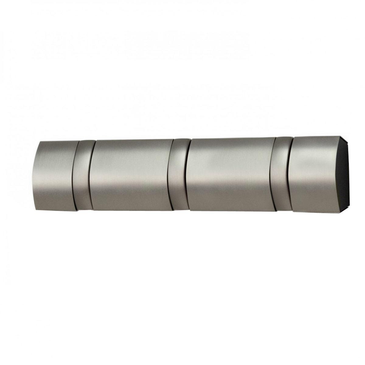 Вешалка настенная Umbra Flip, цвет: металлик, 3 крючка. 318855-410318855-410Настенная вешалка Umbra Flip изготовлена из металла. Имеет 3 откидных крючка из никеля, каждый из которых выдерживает вес до 2,3 кг. Когда они не используются, то складываются, превращая конструкцию в абсолютно гладкую поверхность. Идеально для маленьких прихожих и ограниченных пространств. Стильная и прочная вешалка интересной формы. Необходимые крепления вешалки к стене в комплекте.