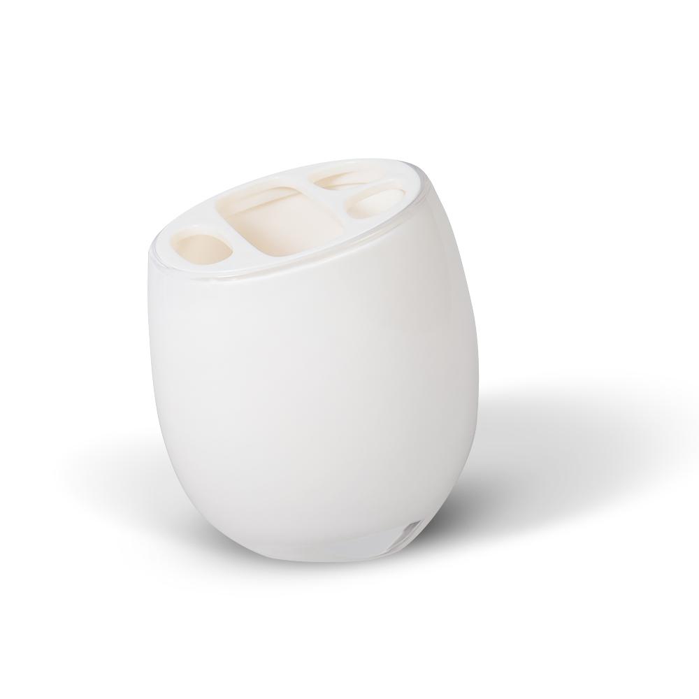 Стакан для зубных щеток Immanuel Repose White12202Стакан для зубных щеток Immanuel Repose White, изготовленный из прозрачного акрила белого цвета, отлично подойдет для вашей ванной комнаты. Стакан оснащен съемной крышкой с прорезями для зубных щеток и тюбика зубной пасты. Стакан для зубных щеток создаст особую атмосферу уюта и максимального комфорта в ванной. Характеристики: Материал: пластик, акрил. Размер стакана: 11,5 см х 7 см х 8 см. Артикул: 12202.