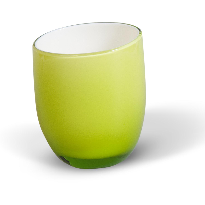 Стакан для ванной комнаты Immanuel Repose Green12318Стакан для ванной комнаты Immanuel Repose Green, изготовленный из прозрачного акрила зеленого цвета, отлично подойдет для вашей ванной комнаты. Стакан создаст особую атмосферу уюта и максимального комфорта в ванной. Характеристики: Материал: акрил. Диаметр стакана по верхнему краю: 6,5 см. Высота стакана: 9 см. Артикул: 12318.