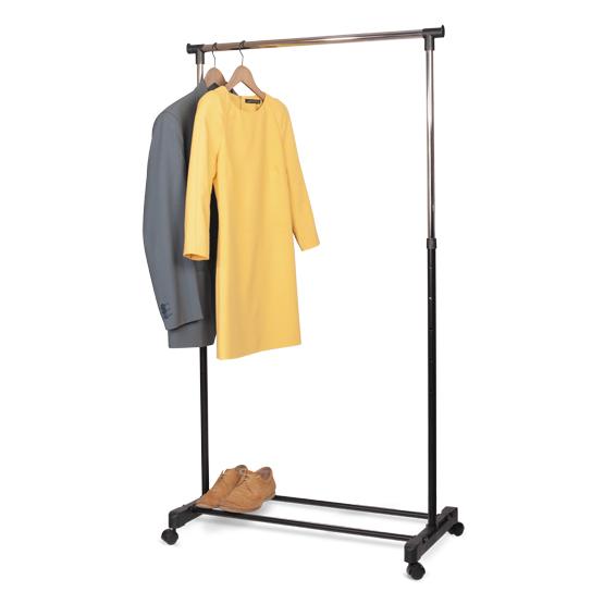 Стойка для одежды Tatkraft Mercury, передвижная на колесиках13001Стойка для одежды Tatkraft Mercury позволит сэкономить полезное пространство в вашей прихожей или комнате. Она представляет собой конструкцию, выполненную их хромированной стали и пластика. Высота стойки регулируется. Специальная конструкция позволяет легко перемещать ее вместе с одеждой. Такая стойка для одежды отличается практичностью и удобством в использовании.