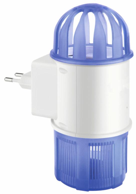 Портативная ловушка для насекомых Green Glade Л-05Л-5Ловушка для насекомых Green Glade - это удобное и эффективное средство борьбы с кровососущими и другими видами насекомых в помещении. Со световыми индикаторами, может использоваться как ночная лампа. Электрическая ловушка для насекомых излучает УФ-свет, который является наиболее эффективным средством для привлечения насекомых. Свет привлекает насекомых, которые, подлетая к устройству, засасываются в накопительный отсек с помощью вентилятора, в котором насекомые обезвоживаются и умирают. - Радиус действия до 30 м2. - Ударопрочный, трудногорючий АБС-пластик. - Средний срок службы лампы 50000 ч. - Лампа УФ-А 4 шт., общая мощность 4В. - Низкое энергопотребление и высокая эффективность. - Безопасна и удобна в использовании. - Не токсична. - Работает от сети. - Для использования в помещении.