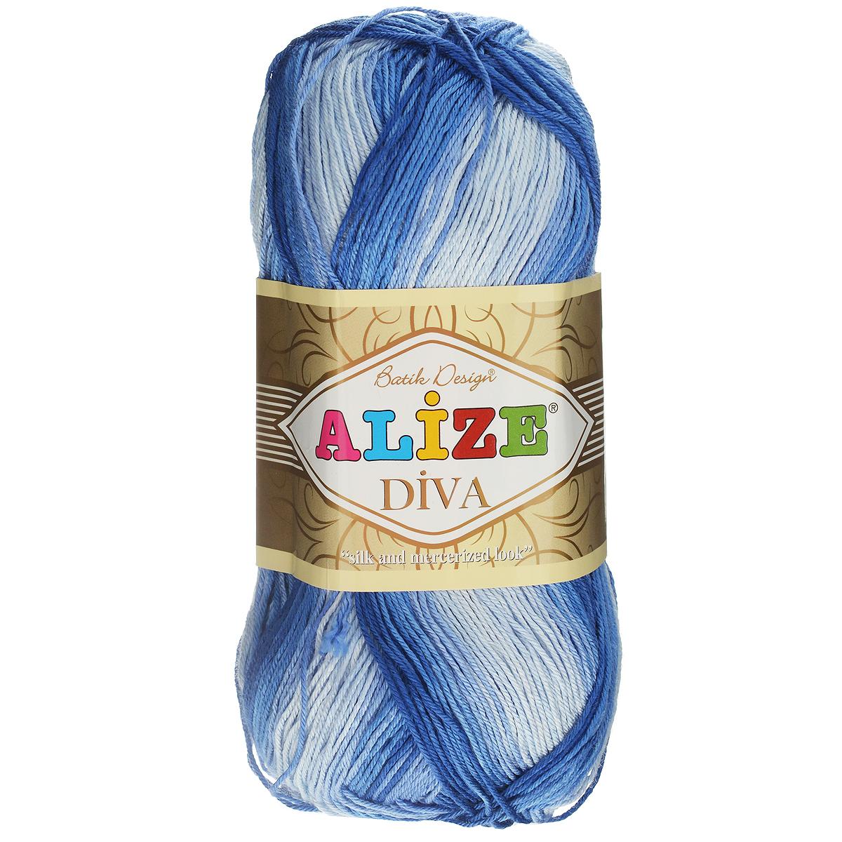 Пряжа для вязания Alize Diva. Batik Design, цвет: голубой, синий, 350 м, 100 г, 5 шт364119_3282Пряжа для вязания Alize Diva. Batik Design- это тщательно обработанная акриловая пряжа, которая приобретает вид мерсеризованной нити с эффектом шелка. Пряжа обладает отличными свойствами: мягкая, воздухопроницаемая, прочная. Пряжа из микрофибры считается материалом нового поколения. Легкая шелковистая пряжа удлиненной секции окрашивания для весенних или летних вещей. Приятная на ощупь, гигроскопичная она подойдет для сарафанов, туник, платьев, легких костюмов, кофт, шалей и накидок. Пряжа не скатывается, не вызывает аллергию, не линяет и не оставляет ворсинок на другой одежде. Рекомендации по уходу: деликатная ручная стирка при 30°С, не отжимать в стиральной машине, не отбеливать хлорсодержащими веществами. Глажение на минимальной температуре. Сушите на горизонтальной поверхности: предварительно придав изделию естественную форму. Рекомендованный размер спиц: №2,5-3,5. Рекомендованный размер крючка: №1-3.
