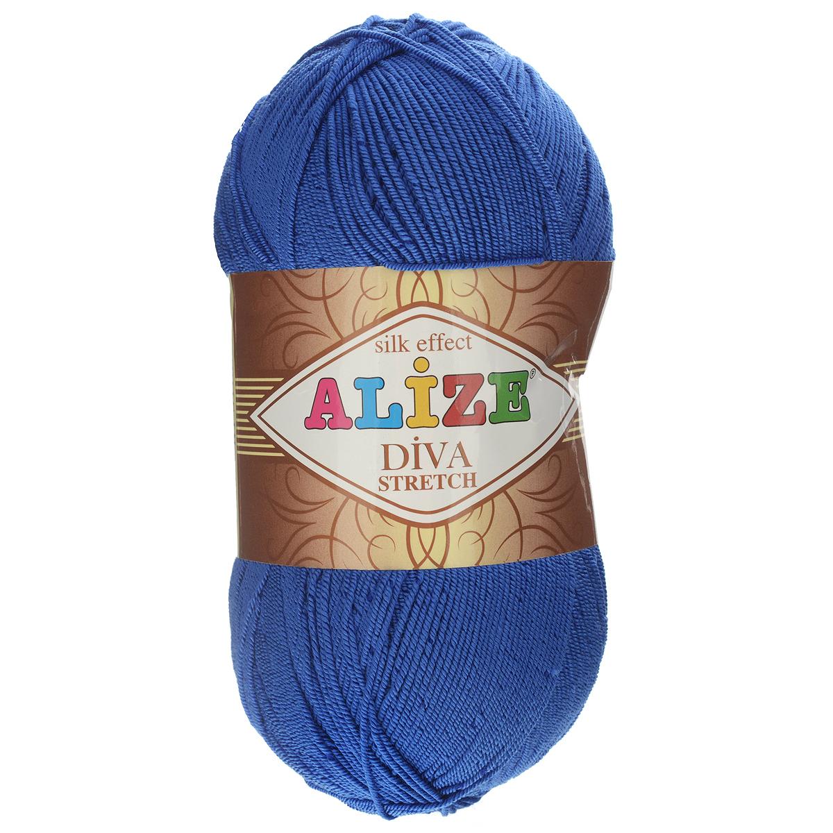 Пряжа для вязания Alize Diva Stretch, цвет: синий (132), 400 м, 100 г, 5 шт367021_132Легкая пряжа Alize Diva Stretch изготовлена из микрофибры с добавлением ПБТ эластика. Пряжа не выгорает на солнце и не линяет. Готовые изделия из этой пряжи быстро сохнут, после намокания практически не деформируются. Эластичная пряжа Diva Stretch обладает поистине уникальными характеристиками. Она мягкая, тонкая и в то же время прочная, она легко ложится в приятное на ощупь, упругое, тянущееся, но сохраняющее свою форму полотно и отлично смотрится в узорах. Изделия, связанные из этой пряжи, прекрасно держат форму и не растягиваются. Пряжа стрейч. Готовое изделие из пряжи Alize Diva Stretch после первой стирки слегка садится. Поэтому, перед тем, как начать работать с этой нитью, рекомендуется связать образец, постирать и высушить его, выяснить степень усадки и только потом, с учетом этих данных, делать расчет петель. Рекомендованные спицы № 2-3,5, крючок № 1-3. Состав: 92% микрофибра (акрил), 8% ПБТ эластик.