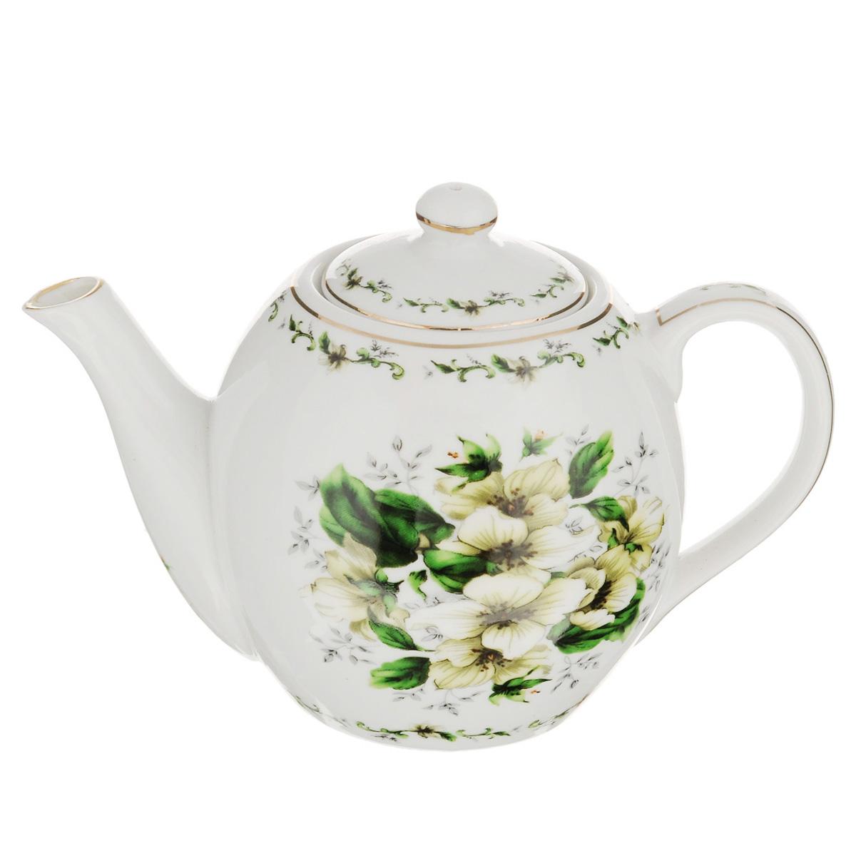 Чайник заварочный Briswild Цветочная грация, 470 мл543-284Заварочный чайник Briswild Цветочная грация изготовлен из высококачественного фарфора и покрыт слоем сверкающей глазури. Посуда оформлена изысканным цветочным рисунком и эмалью золотистого цвета. Такой чайник прекрасно дополнит сервировку стола к чаепитию и станет его неизменным атрибутом. Не использовать в микроволновой печи. Объем: 470 мл. Диаметр (по верхнему краю): 6 см. Высота стенки (без учета крышки): 9 см.