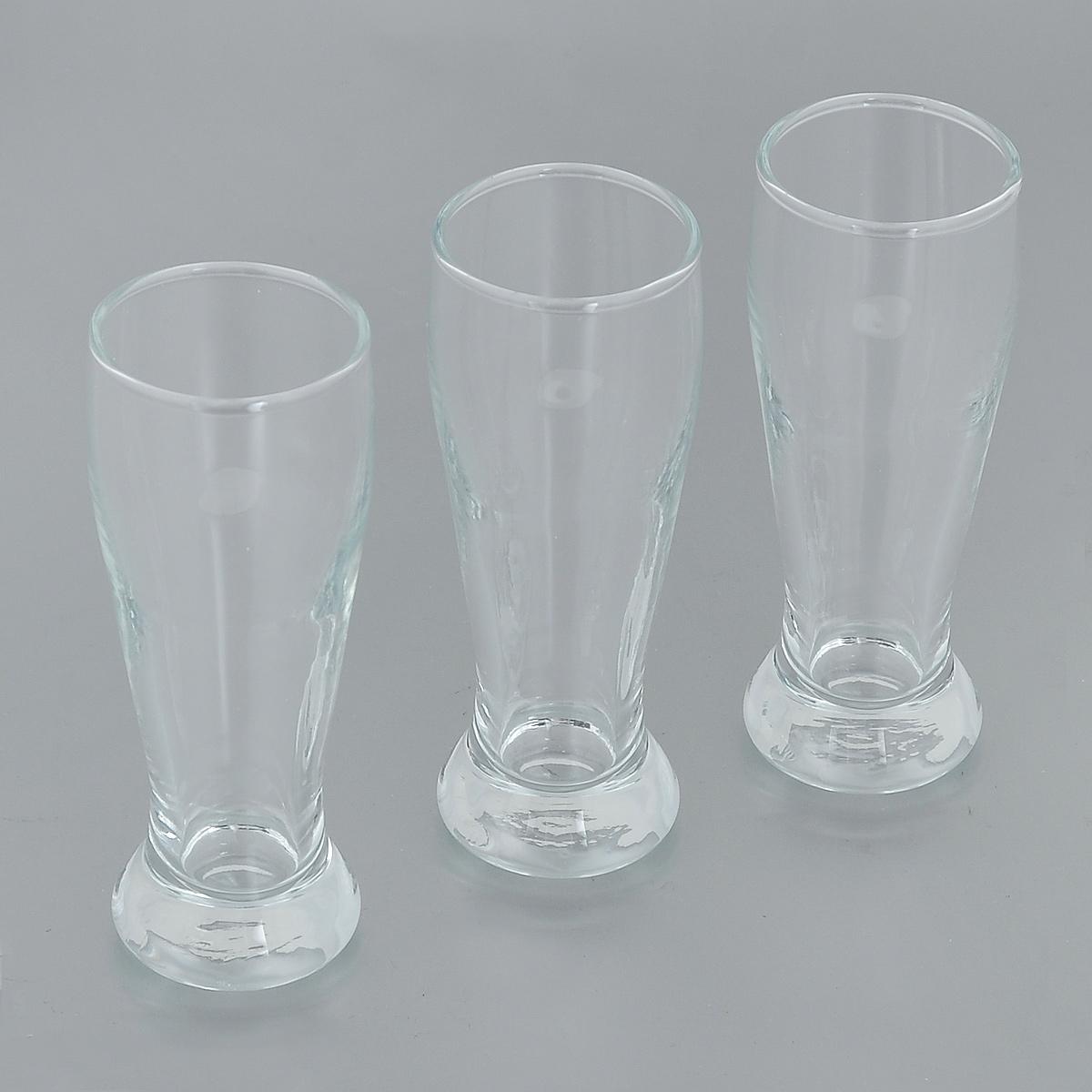 Набор рюмок Pasabahce Pub, 60 мл, 3 шт42234BНабор Pasabahce Pub состоит из трех рюмок, изготовленных из прочного натрий-кальций-силикатного стекла. Изделия, предназначенные для подачи водки и других спиртных напитков, несомненно придутся вам по душе. Рюмки сочетают в себе элегантный дизайн и функциональность. Благодаря такому набору пить напитки будет еще вкуснее. Набор рюмок Pasabahce Pub идеально подойдет для сервировки стола и станет отличным подарком к любому празднику. Можно мыть в посудомоечной машине и использовать в микроволновой печи. Диаметр рюмки по верхнему краю: 4 см. Высота рюмки: 10,5 см.