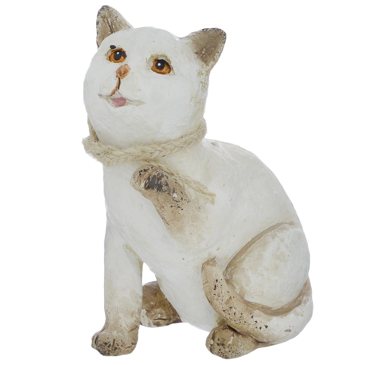 Фигурка декоративная Molento Белая кошечка, высота 11 см549-209Декоративная фигурка Molento Белая кошечка, изготовленная из полистоуна, позволит вам украсить интерьер дома, рабочего кабинета или любого другого помещения оригинальным образом. Изделие выполнено в виде кошки. Вы можете поставить фигурку в любом месте, где она будет удачно смотреться, и радовать глаз. Кроме того, фигурка Белая кошечка станет чудесным сувениром для ваших друзей и близких. Размер фигурки: 8,5 см х 6 см х 11 см.