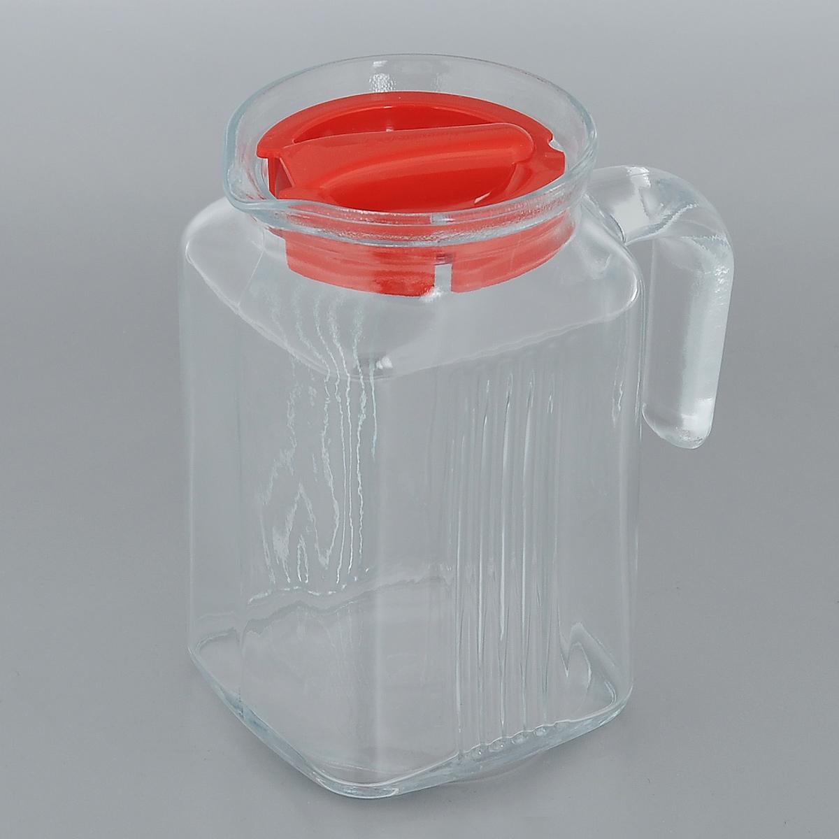 Кувшин Pasabahce Frigo, цвет: красный, 600 мл80122BRКувшин Pasabahce Frigo, выполненный из прочного натрий-кальций-силикатного стекла, элегантно украсит ваш стол. Такой кувшин прекрасно подойдет для подачи воды, сока, компота и других напитков. Кувшин плотно закрывается пластиковой крышкой. Крышка устроена таким образом, что выливать жидкость можно не снимая ее, так как напиток будет проходить через специальную выемку. Совершенные формы и изящный дизайн, несомненно, придутся по душе любителям классического стиля. Кувшин Pasabahce Frigo дополнит интерьер вашей кухни и станет замечательным подарком к любому празднику. Можно мыть в посудомоечной машине и использовать в микроволновой печи. Диаметр кувшина по верхнему краю (без учета носика): 7,5 см. Высота кувшина: 13,5 см.