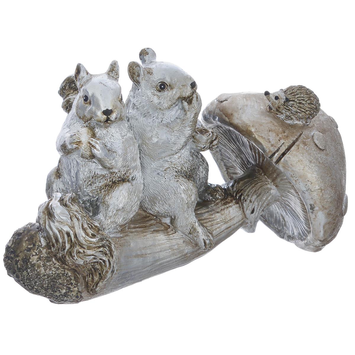 Фигурка декоративная Molento Белочки и гриб, высота 10 см549-208Декоративная фигурка Molento Белочки и гриб, изготовленная из полистоуна, выполнена в виде двух белок, сидящих на грибе. Такая фигурка станет отличным дополнением к интерьеру. Вы можете поставить фигурку в любом месте, где она будет удачно смотреться, и радовать глаз. Кроме того, фигурка Белочки и гриб станет чудесным сувениром для ваших друзей и близких. Размер фигурки: 17 см х 10,5 см х 10 см.