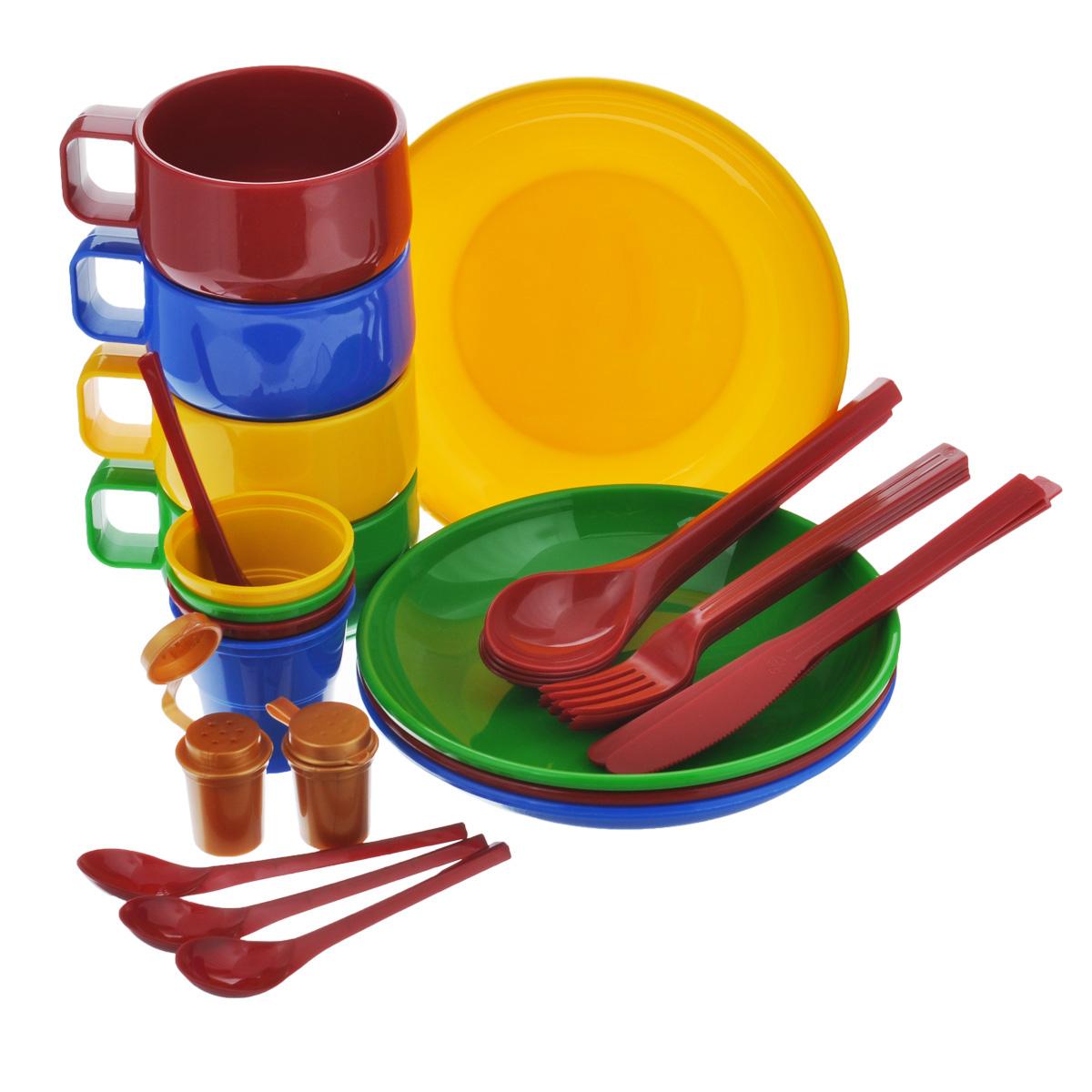 Набор посуды Solaris, на 4 персоныS1401Компактный минималистичный набор посуды Solaris на 4 персоны, в удобной виниловой сумке с ручкой и молнией. Свойства посуды: Посуда из ударопрочного пищевого полипропилена предназначена для многократного использования. Легкая, прочная и износостойкая, экологически чистая, эта посуда работает в диапазоне температур от -25°С до +110°С. Можно мыть в посудомоечной машине. Эта посуда также обеспечивает: Хранение горячих и холодных пищевых продуктов; Разогрев продуктов в микроволновой печи; Приготовление пищи в микроволновой печи на пару (пароварка); Хранение продуктов в холодильной и морозильной камере; Кипячение воды с помощью электрокипятильника. Комплектация набора на 4 персоны: 4 тарелки; 4 чашки объемом 0,28 л; 4 стакана с мерными делениями объемом 0,1 л; 4 вилки; 4 столовых ложки; 4 ножа; 4 чайные ложки; 2 солонки. Диаметр тарелок: 19 см. Высота тарелок: 3 см. Высота...