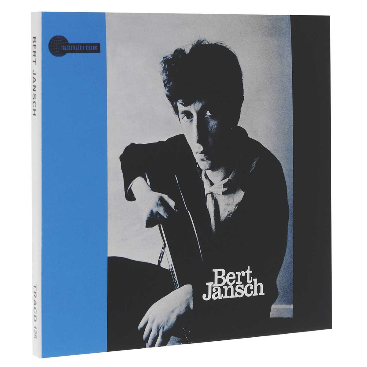Издание содержит 12-страничный буклет с фотографиями и дополнительной информацией на английском языке.