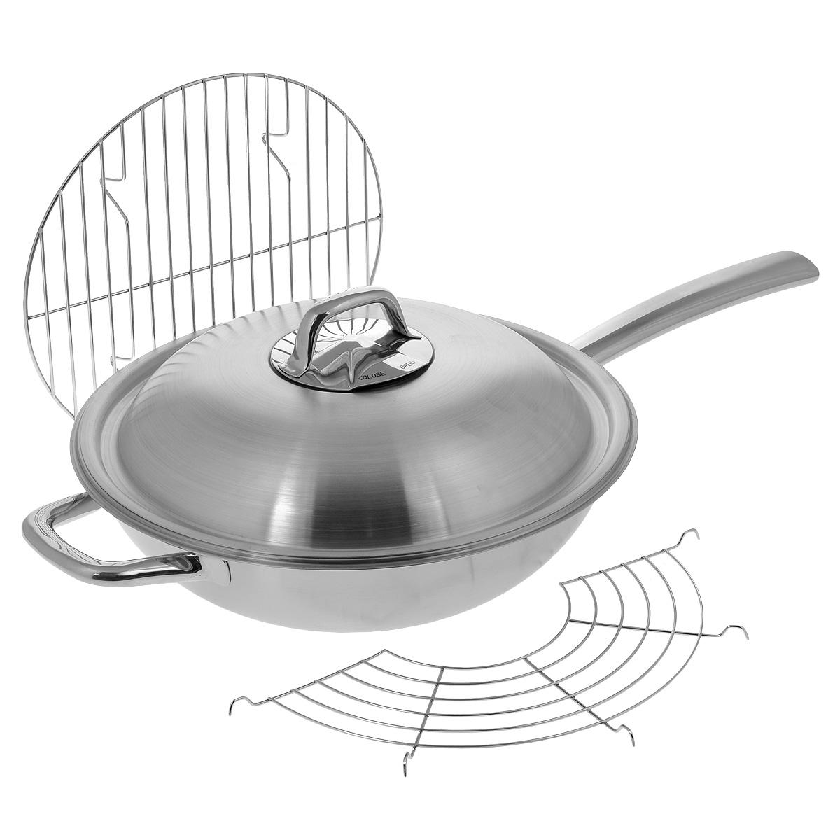 Сковорода-вок Tescoma President с крышкой, с решеткой-подставкой, с сеткой и решеткой для приготовления на пару. Диаметр 32 см780282Сковорода-вок Tescoma President, изготовленная из нержавеющей стали, отлично подходит для жарки, приготовления пищи на пару, блюд азиатской кухни. Благодаря трехслойной конструкции, температура внутри вока остается равномерной и постоянной. Вок имеет куполообразную крышку для оптимальной циркуляции пара и регулирования его выхода. Массивная и маленькая ручки изготовлены из высококачественной нержавеющей стали для комфортного и безопасного обращения. В набор также входят вместительная сетка для приготовления блюд на пару, полукруглая решетка-подставка и решеточка-подставка для хранения и приготовления блюд на пару. Вок имеет матовую поверхность, а длинная ручка - зеркальную. В наборе - буклет с рецептами. Подходит для всех типов плит, в том числе для индукционных. Можно мыть в посудомоечной машине. Высота стенки вока: 9,5 см. Длина ручки: 22 см. Толщина стенки: 2 мм. Толщина дна: 3 мм. Диаметр по верхнему краю: 32 см. ...