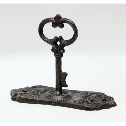 Вешалка-крючок Феникс-презент Старинный ключ, 5,5 см х 13,5 см. 3663636636Настенная вешалка-крючок Феникс-презент Старинный ключ изготовлена из чугунного литья в виде старинного ключа, который является крючком. Вешалка-крючок идеальна для спальни, прихожей, ванной комнаты. Крепежные элементы для монтажа к стене не входят в комплект. Размер: 5,5 см х 13,5 см х 10 см.