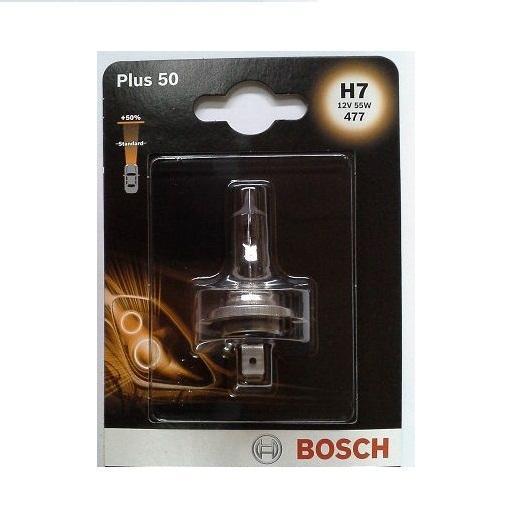 Лампа Bosch H7 Plus 50, 55Вт 19873010421987301042Новые лампы Bosch для галогенных фар освещают дорогу интенсивным белым светом, который очень близок по свойствам к дневному освещению.Благодаря этому глаза водителя не теряют фокусировки и меньше устают даже во время долгих поездок в темное время суток. Новые лампы отличаются высокой яркостью и могут давать до 50% больше света, чем стандартные галогенные фары. Лампы Bosch доступны в вариантах H1, H4 и H7. Серебряное покрытие ламп H4 и H7 делает их едва заметными за стеклами выключенных фар. Новые лампы выглядят наиболее эффектно в сочетании с фарами из прозрачного стекла и подчеркивают современный дизайн автомобилей. Увеличенная яркость и дальность освещения положительно сказывается на безопасности движения. В темное время суток или в сложных погодных условиях, таких как ливень или густой туман, водитель замечает опасную ситуацию намного раньше и на большем расстоянии, при этом лучше заметен и сам автомобиль с фарами Bosch. Напряжение: 12 вольт