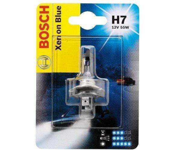 Лампа Bosch H7 Xenon Blue 55Вт 19873010131987301013Новые лампы Bosch для галогенных фар освещают дорогу интенсивным белым светом, который очень близок по свойствам к дневному освещению.Благодаря этому глаза водителя не теряют фокусировки и меньше устают даже во время долгих поездок в темное время суток. Новые лампы отличаются высокой яркостью и могут давать до 50% больше света, чем стандартные галогенные фары. Лампы Bosch доступны в вариантах H1, H4 и H7. Серебряное покрытие ламп H4 и H7 делает их едва заметными за стеклами выключенных фар. Новые лампы выглядят наиболее эффектно в сочетании с фарами из прозрачного стекла и подчеркивают современный дизайн автомобилей. Увеличенная яркость и дальность освещения положительно сказывается на безопасности движения. В темное время суток или в сложных погодных условиях, таких как ливень или густой туман, водитель замечает опасную ситуацию намного раньше и на большем расстоянии, при этом лучше заметен и сам автомобиль с фарами Bosch. Напряжение: 12 вольт