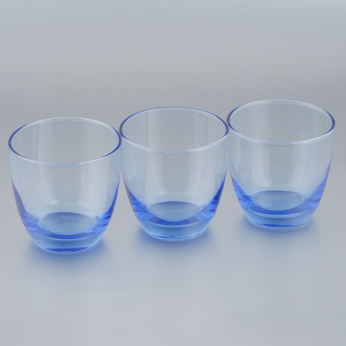Набор стаканов Pasabahce Workshop Light Blue, 370 мл, 3 шт835048Набор Pasabahce Workshop Light Blue состоит из трех стаканов, выполненных из прочного натрий-кальций-силикатного стекла. Изделия оснащены утолщенным дном. Набор предназначен для подачи воды, сока и других напитков. Стаканы сочетают в себе элегантный дизайн и функциональность. Благодаря такому набору пить напитки будет еще вкуснее. Набор стаканов Pasabahce Workshop Light Blue прекрасно оформит праздничный стол и создаст приятную атмосферу за романтическим ужином. Такой набор также станет хорошим подарком к любому случаю. Можно мыть в посудомоечной машине и использовать в микроволновой печи. Диаметр стакана (по верхнему краю): 9 см. Высота стакана: 9 см.