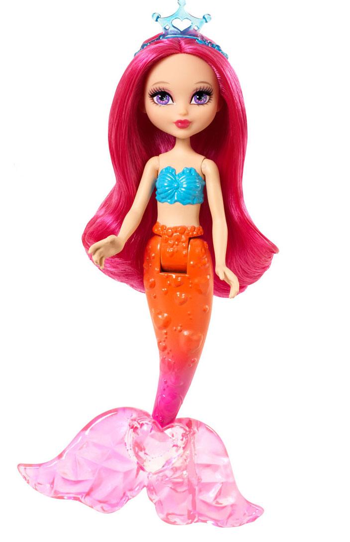 Barbie Мини-кукла Fairytale Mini Mermaid цвет волос розовыйCJD19_CGM78Великолепная кукла Barbie Fairytale Mini Mermaid порадует вашу малышку и доставит ей много удовольствия от часов, посвященных игре с ней. Она выполнена из прочного высококачественного пластика в виде очаровательной мини-русалочки. Кукла с длинными ярко-розовыми волосами и розово-оранжевым хвостом, украшенным сердечками. Плавник украшен большим розовым сердечком. На мини-русалочке надет топ в виде синих ракушек. Голову красавицы украшает полупрозрачная тиара голубого цвета, оформленная сердечком. А благодаря подвижному соединению эта очаровательная кукла как-будто и правда плывет под водой! Порадуйте свою малышку таким великолепным подарком!