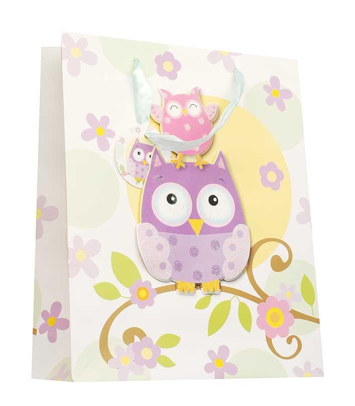 Пакет подарочный Милые совы, 26 х 10 х 32 см1403-SB Пакет Милые совыДизайнерский подарочный пакет Милые совы выполнен из плотной бумаги и оформлен ярким красочным рисунком и аппликацией. Дно изделия укреплено плотным картоном, который позволяет сохранить форму пакета и исключает возможность деформации дна под тяжестью подарка. Для удобной переноски на пакете имеются две атласные ручки. Подарок, преподнесенный в оригинальной упаковке, всегда будет самым эффектным и запоминающимся. Окружите близких людей вниманием и заботой, вручив презент в нарядном, праздничном оформлении.